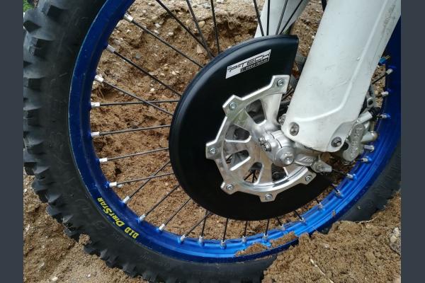 Front brake disc guard for KTM Husqvarna 2016-2019.